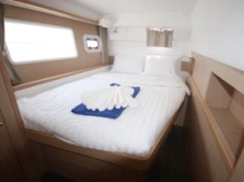 elite-yachting-Lagoon-400-S2-Premium-Jimmy-Blue-1380.jpg
